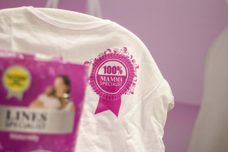 Bimbinfiera con Lines Specialist Maternity e Pampers