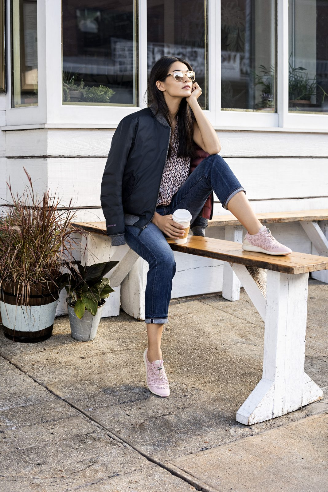 Sneakers: idee di look easy chic a prova di mamma